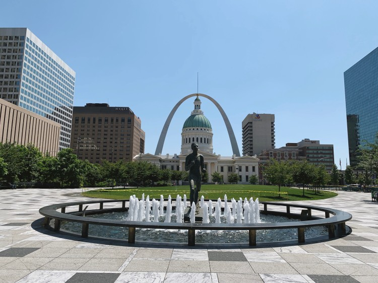 view of the Old Courthouse and Arch in St. Louis