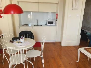 Porto Airbnb Tour
