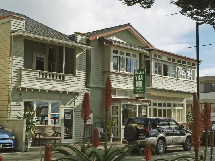 New Zealand Hostel Guide: YHA Napier Backpackers