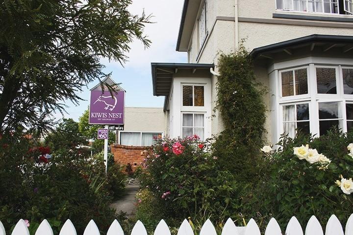 New Zealand Hostel Guide: Kiwis Nest Dunedin