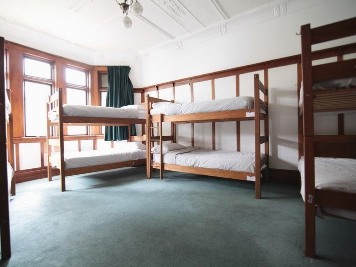 New Zealand Hostel Guide: Manor House Backpackers