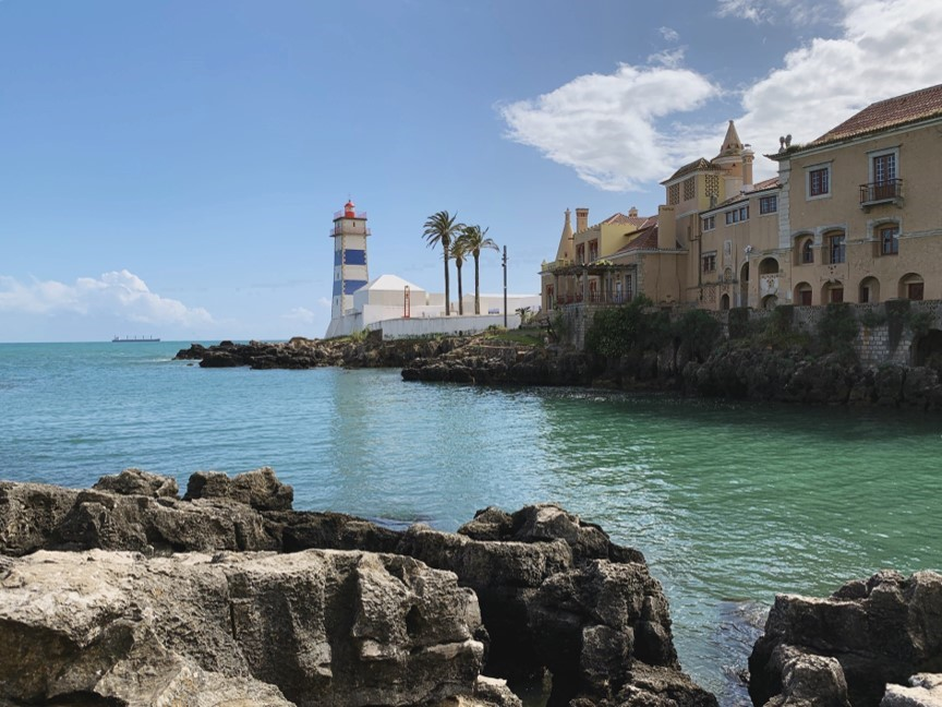 Cascais, Portugal is a great day trip or weekend getaway from Lisbon filled with beaches, art, and great dining. Here's my weekend guide to Cascais, with a 2 day itinerary, things to do, where to eat, stay, and more.