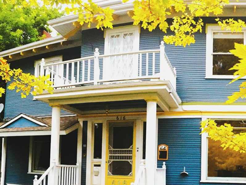 Fernweh Inn & Hostel is the first Fort Collins hostel. Made for travelers by travelers, this hostel will fill you with fernweh.