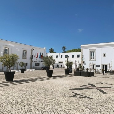 The Cidadela Arts District in Cascaid, Portugal is a great spot to visit for arts and culture lovers. Take a break from the beach & explore the artwork here!