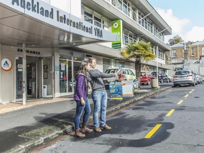 New Zealand Hostel Guide: YHA Auckland International