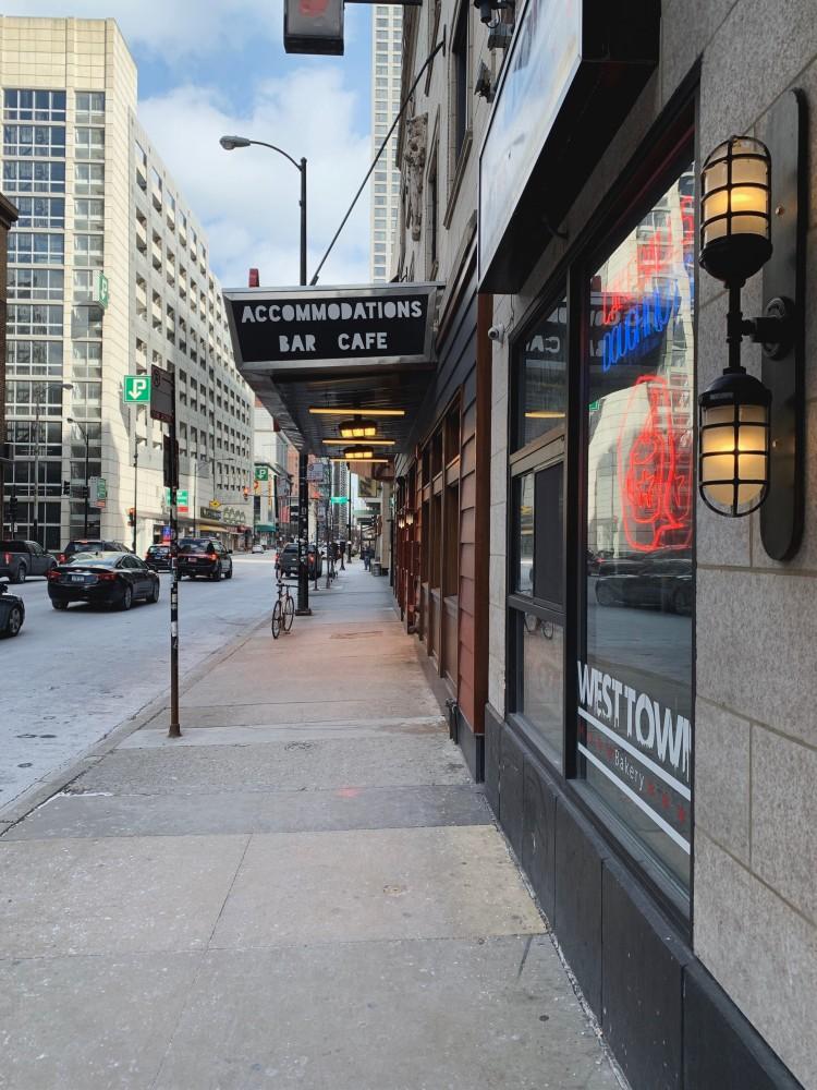 Freehand Hotel Chicago sidewalk view
